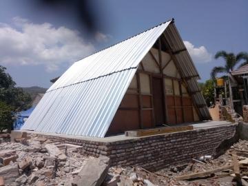 30 temporäre Häuser für Erdbebenopfer in Lombok