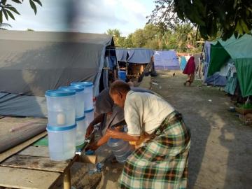Trinkwasser für die Erdbebenopfer in Lombok