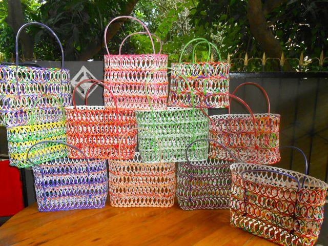 recycling taschen futura indonesia. Black Bedroom Furniture Sets. Home Design Ideas
